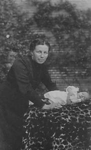 Jeltje Mennema en zoon Jan Mennema
