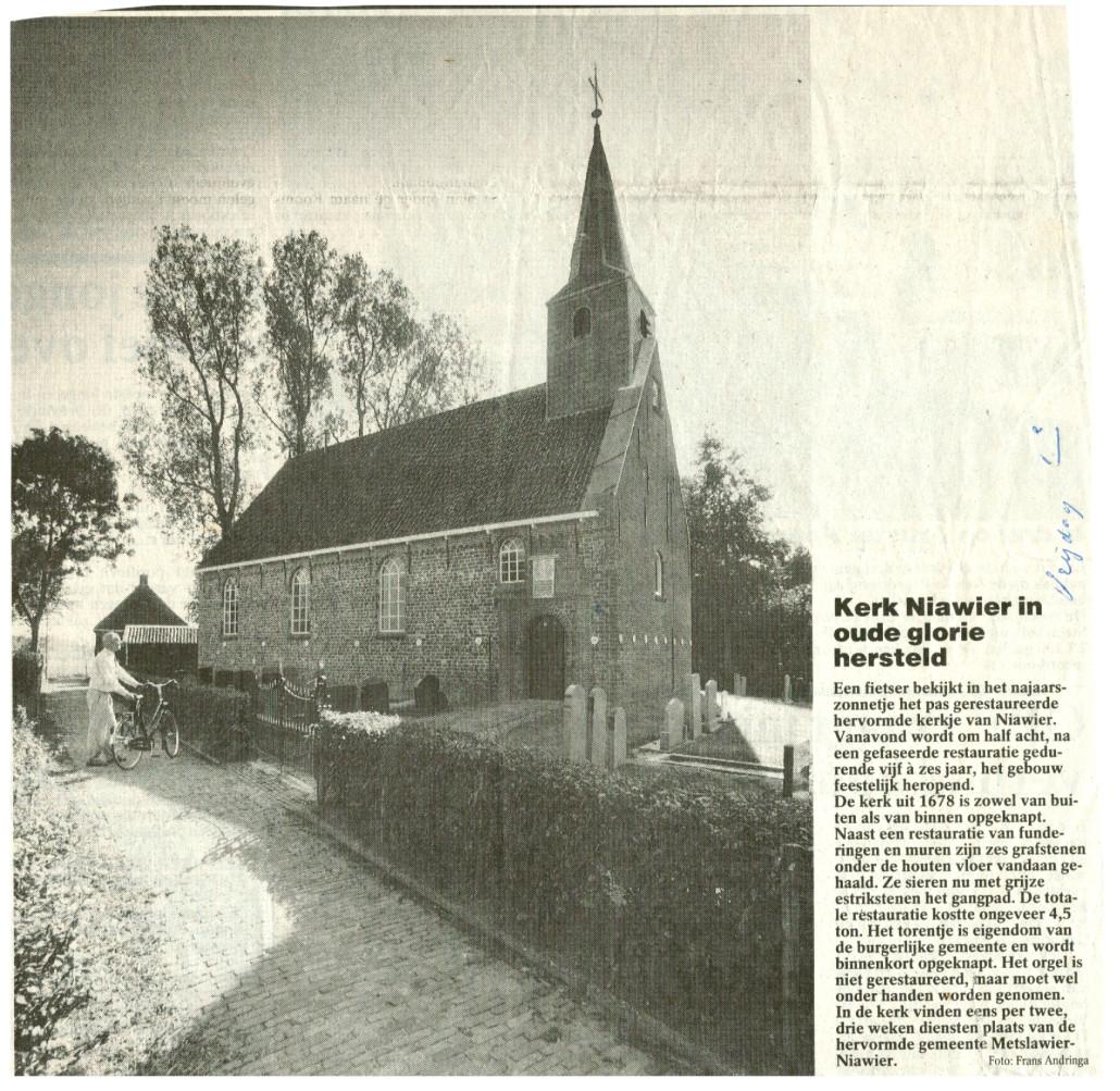 19- Knipsel Kerk Niawier in oude glorie hersteld