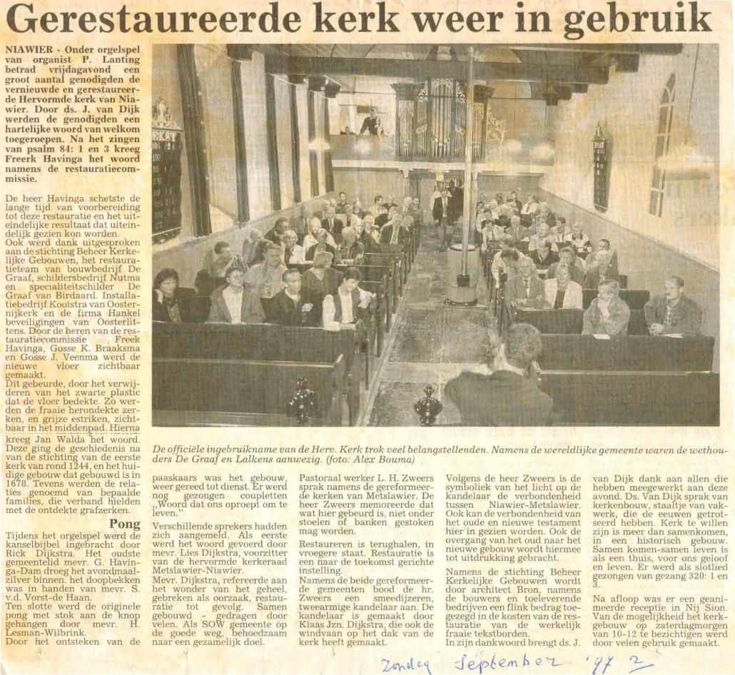 20-Knipsel Gerestaureerde kerk weer in gebruik Zondag september 1997