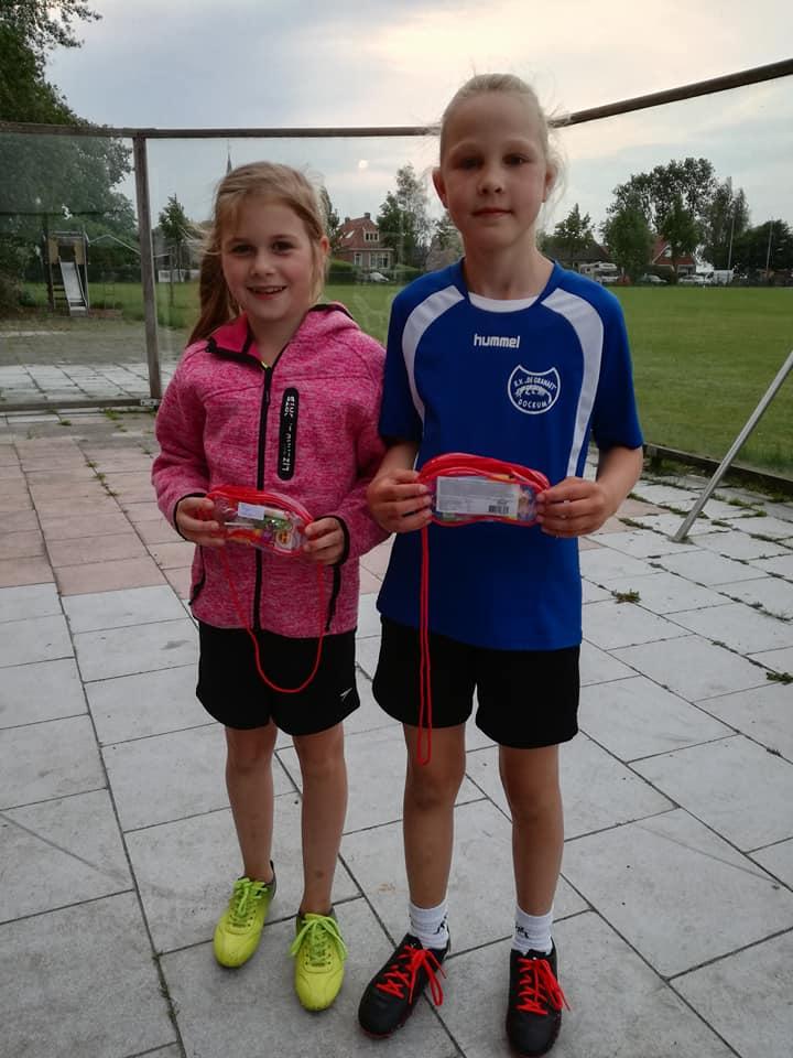 1e prijs verliezersronde Michelle Sijtsma en Fokje Wiersma