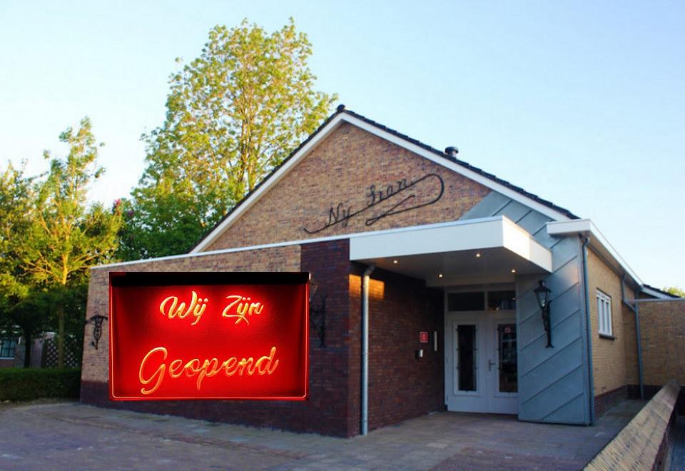 Dorpshuis Nij Sion open